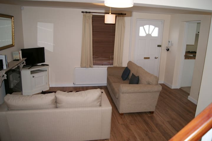 ServicedLets: Suffolks Apartments - Cheltenham - Apartment