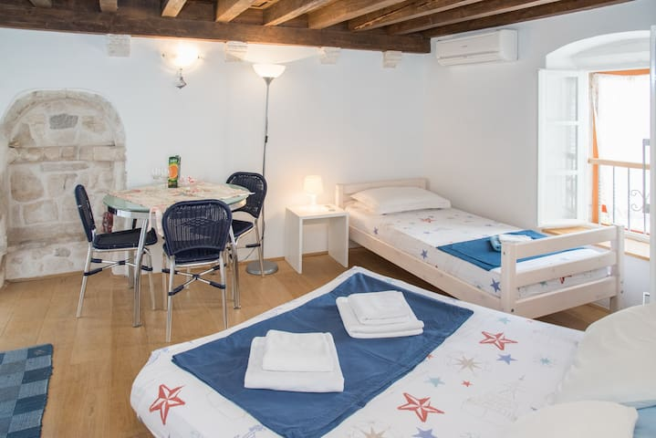 Cosy apartment in the Hvar center