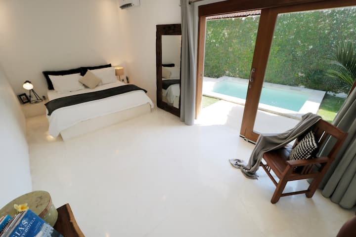 Room with private pool and garden no. 16