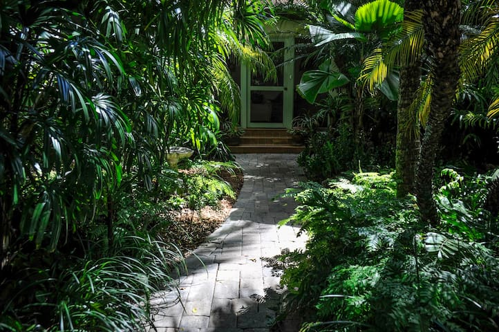 The Tropical Room - Coral Gables