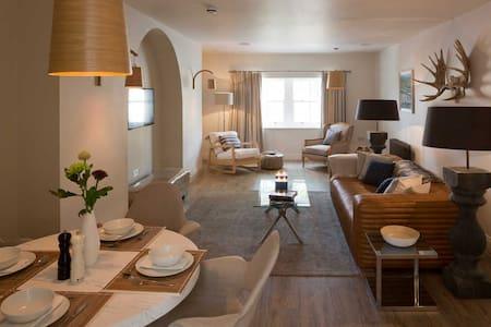 Light, modern 2 bedroom apartment - Moreton-in-Marsh