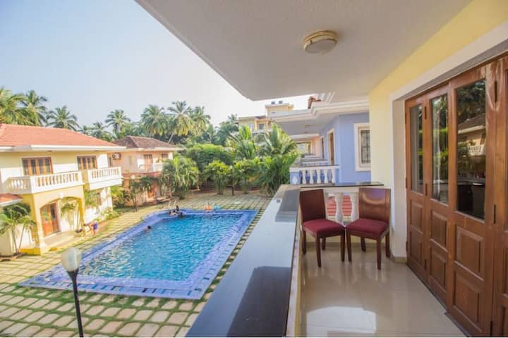 BAGA 3 BHK JACUZZI Villa with Pool BBQ Hookah