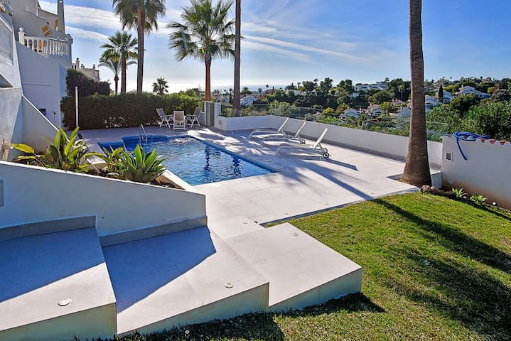 LOVELY VILLA/TOWNHOUSE/AMAZING/VIEWS/PRIVATE POOL