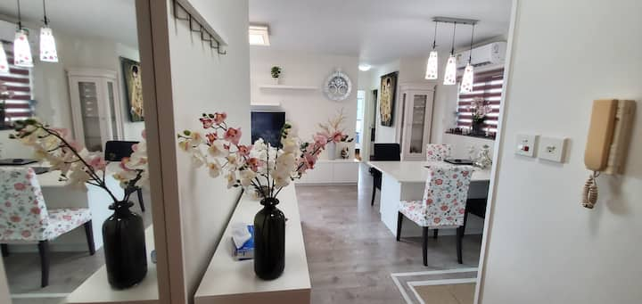 Very Clean and Modern Apartment close to Airport