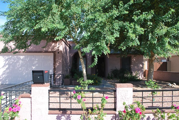Single home, quiet nerberhd close to everything,