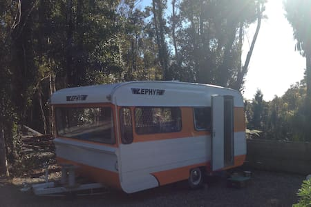 Cute caravan in bush setting - Greymouth - Other