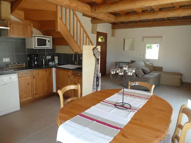 """Maison de vacances """"La Vigne"""" - Saint-Just-d'Ardèche - Huvila"""