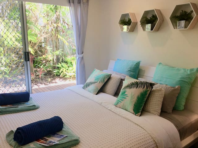 Noosa Getaway/Sunrise Beach/King Bed/Luxe Linen - Sunrise Beach - Dom