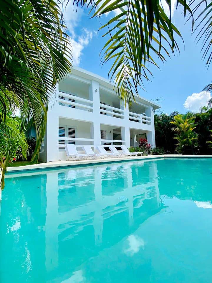 Ocean views w/ pool for 10 (5bed/5ba) – The Haven