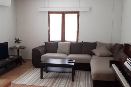 Yksi makuuhuone talosta Noljakassa