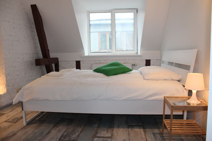 3 bedroom romantic appartment with an attic