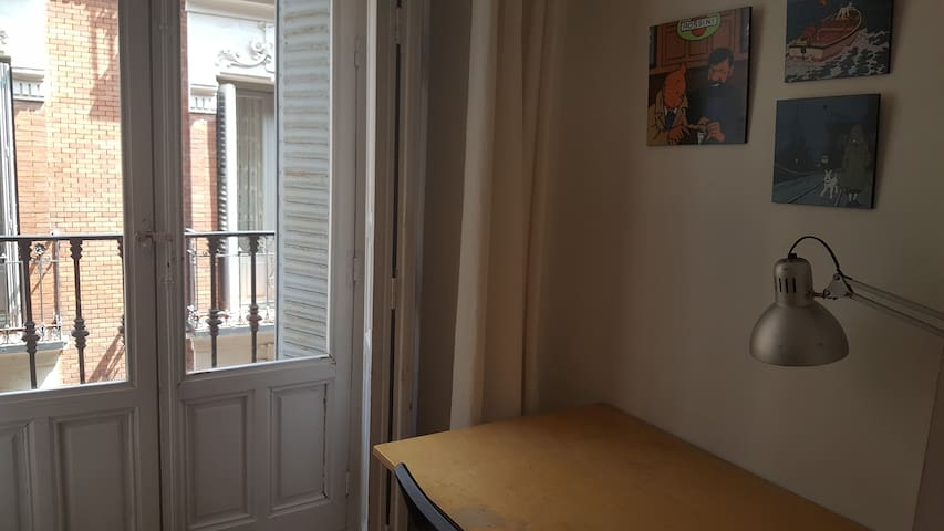 CENTRALLY LOCATED ROOM 10 MIN SOL 1