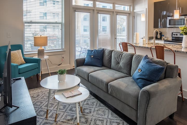 Luxurious + Chic 1BR Apt in Midtown