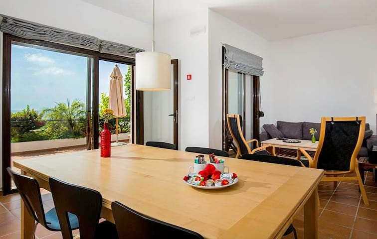 Superior Two-Bedroom Apartment (2-6 adults)
