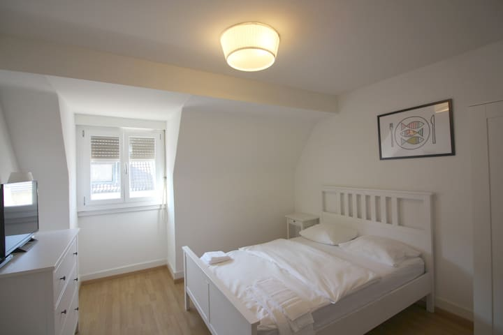 Eptingerstrasse - Budget Doubleroom