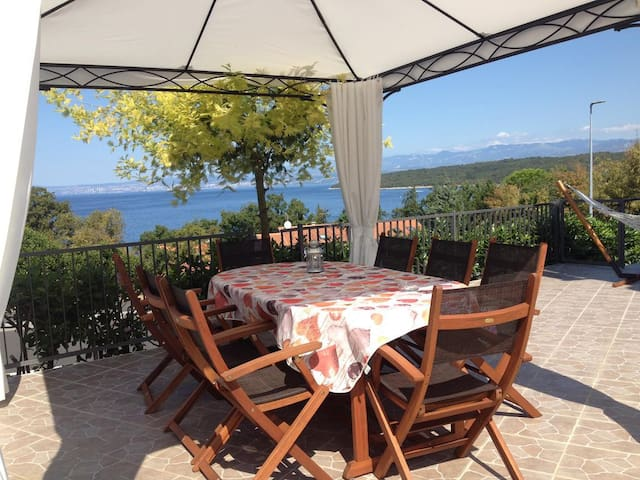 Two bedroom apartment with terrace and sea view Njivice (Krk) (A-5296-a)