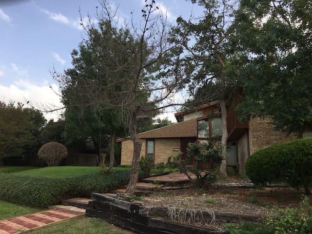 Waco / Woodway Retreat