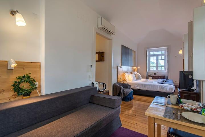CASA DA PENDÔA - Superior Room w/ Mountain View by LovelyStay