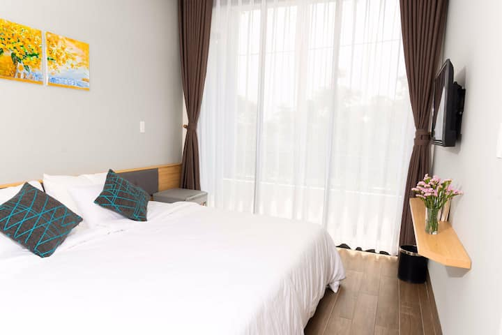 Private room Da Nang up to 3pax, great location!