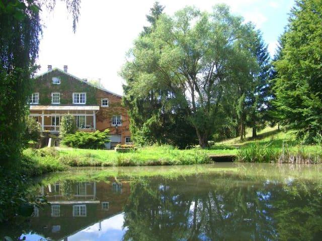 Gîte Rural 3 étoiles - à 9km d'Epinal - Chaumousey - House