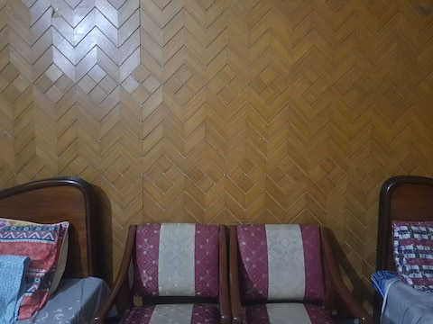 PRIVATE ROOM IN LAHORE NEAR ICHRA METRO STATION