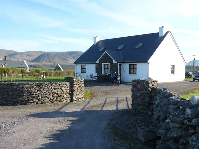 Ring of Kerry, Lough Currane view, Skelligbay !!! - Waterville - Rumah