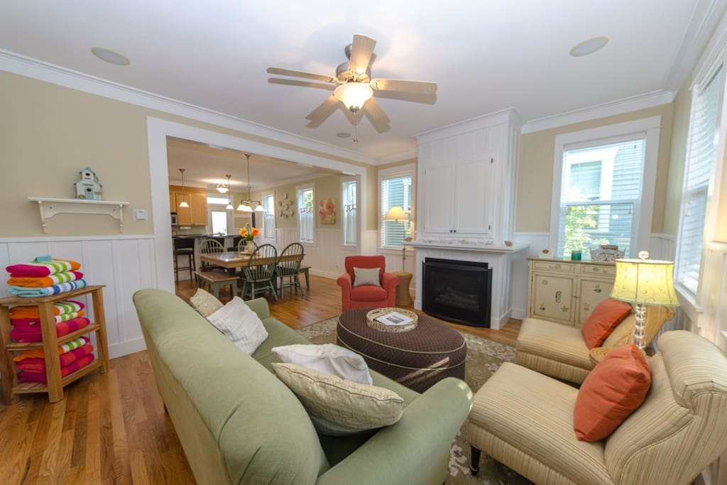 Flat screen TV, gas fireplace, and plenty of seating for all guest