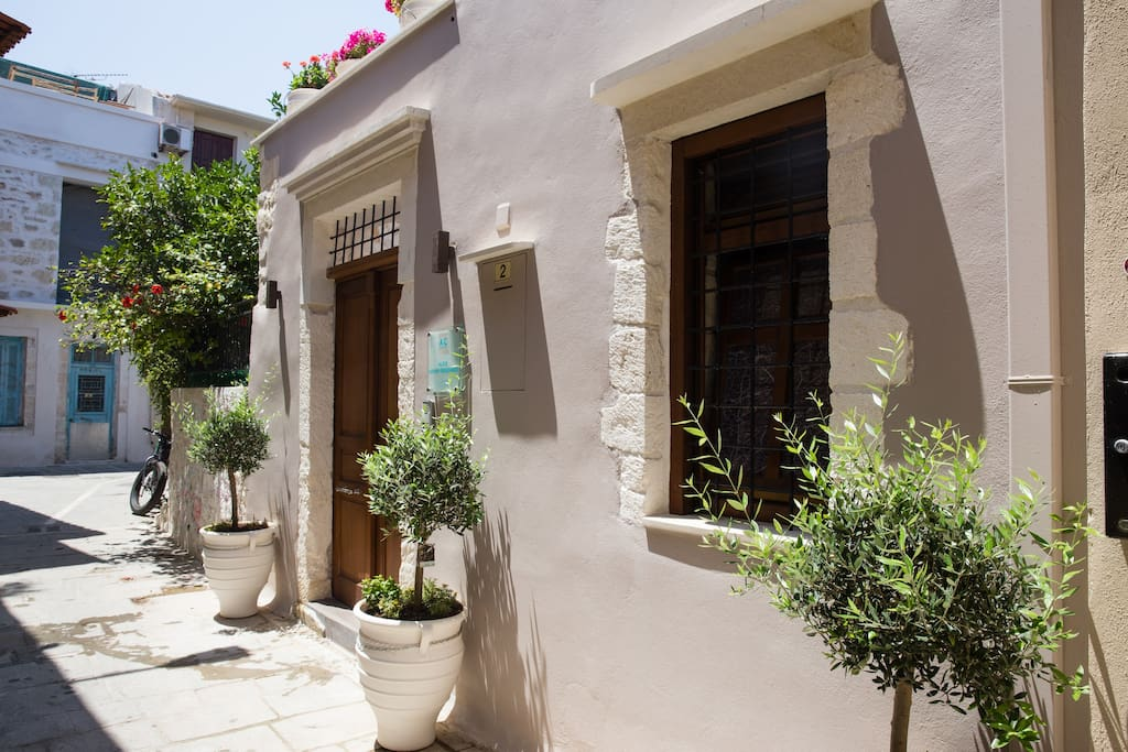 Entrance of the residence, set in the picturesque alleys of Rethymnos' Old Town