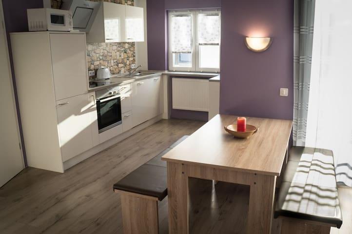 Große Wohnung mitten in Saulheim - Saulheim - Apto. en complejo residencial