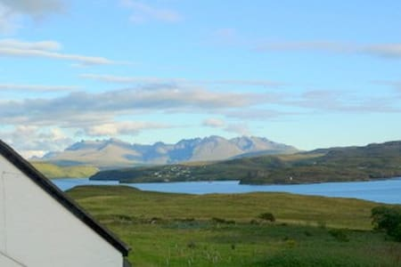 Wild Orchid Cottage, Skye, self-catering cottage - Struan - House - 1