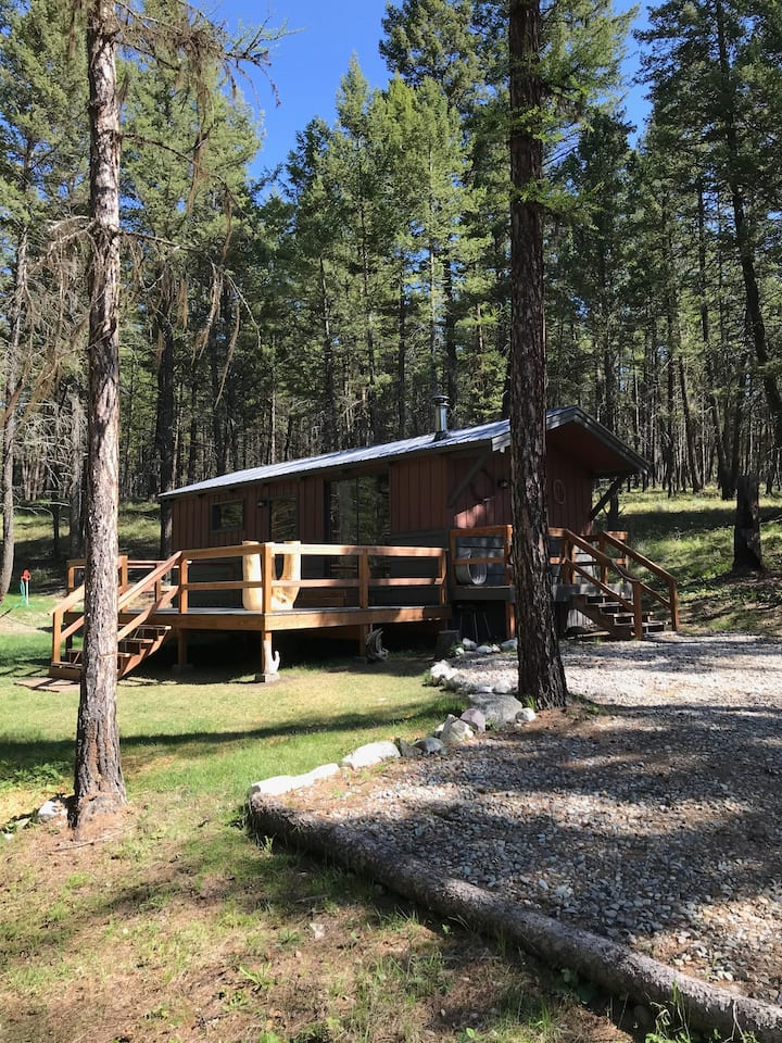 Charming Cabin close to Hiking, Lakes and Rivers