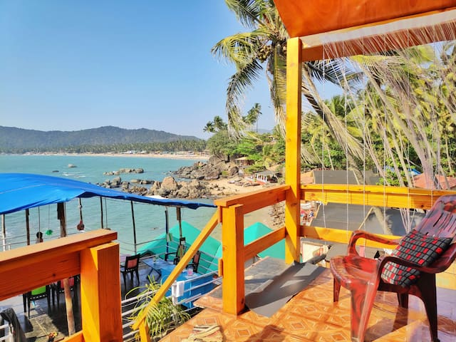 Oceanic View Cottage on the Beach in Goa