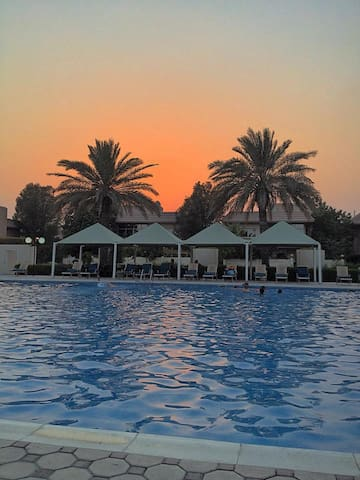 Villa - Pool - Tennis - Gym - Snooker-Tennis Table - Dubai - Villa