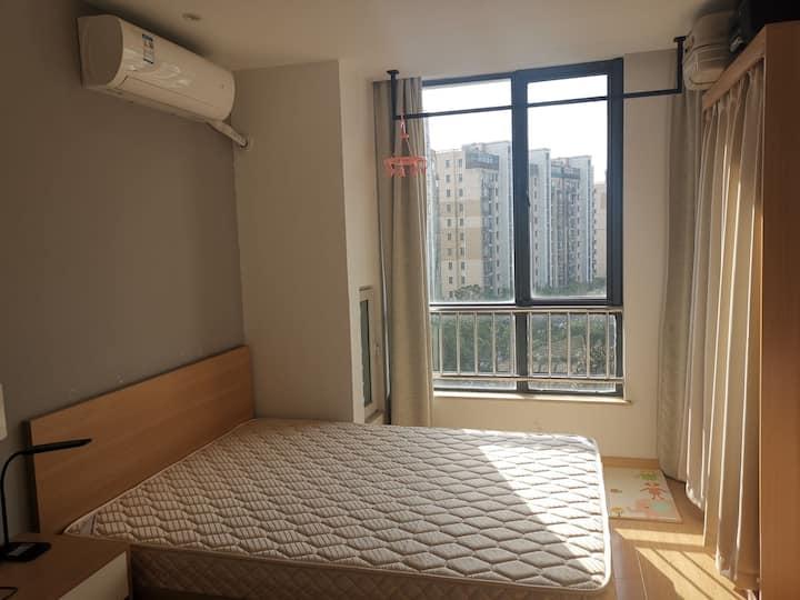 阳光公寓小房