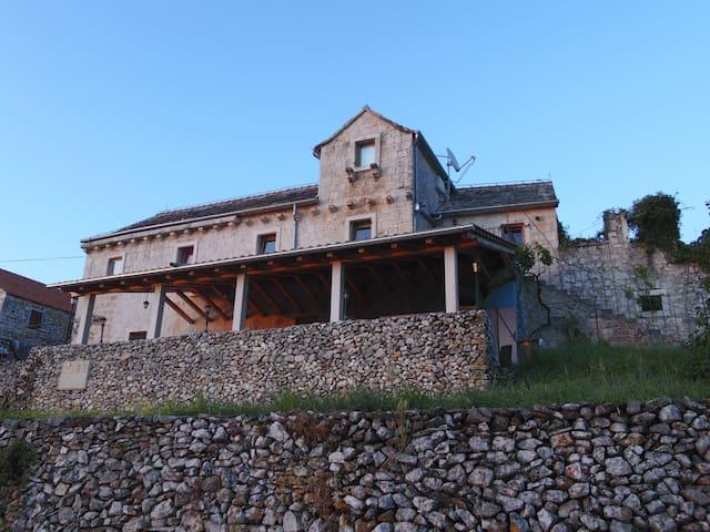 Villa Neresi  room 1