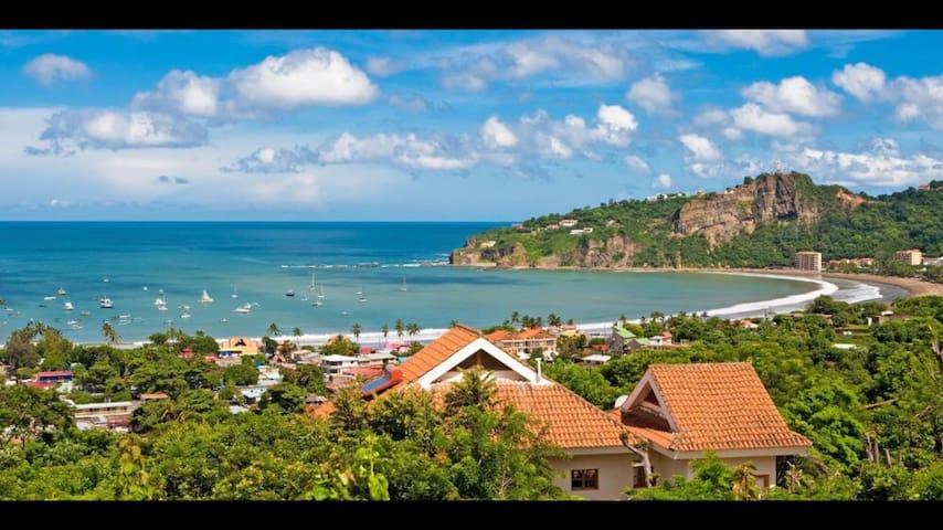 Ocean View Condos - 2Bed/2Bath w/balcony & kitchen - San Juan del Sur - Apto. en complejo residencial