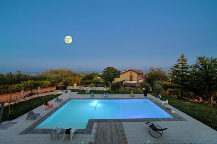 Luxury Villa apartment in Tavullia with Swimming Pool and Garden