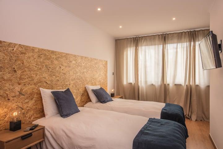 Guesthouse Room 21 - Beach and Nova SBE school