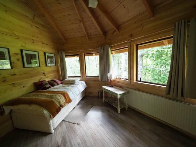 Habitación B 2º piso de dos camas individuales