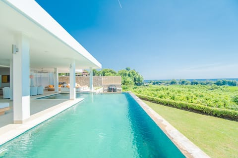 Luxury and Stunning View Villa, Great Hospitality!