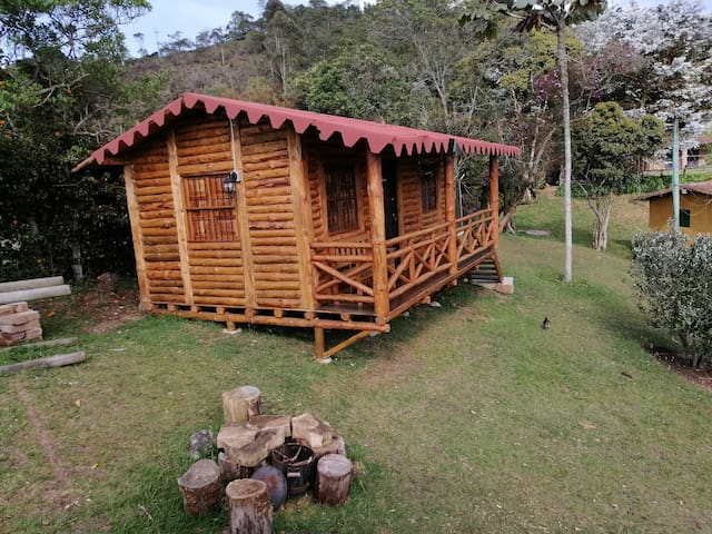 Cabaña rústica en Santa Elena con mirador