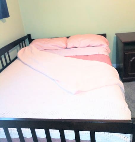 Private Bedroom Full size bed