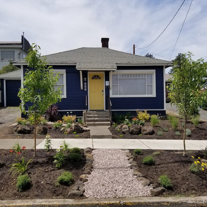 The Sheffield - Charming downtown Bend Bungalow