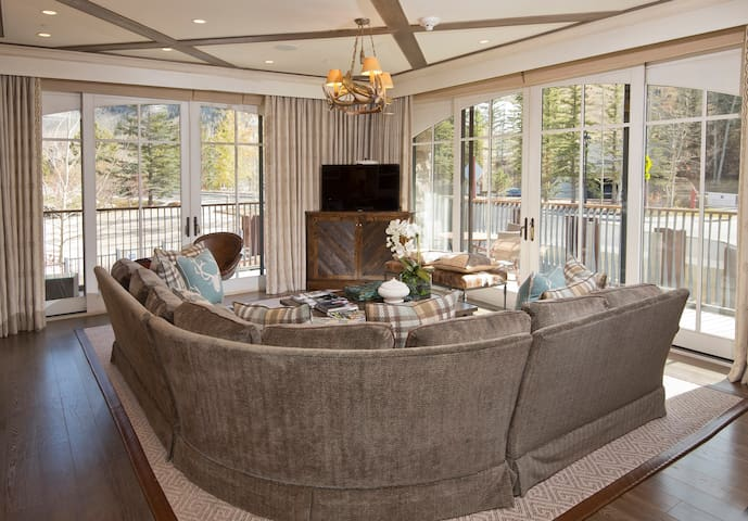 Rams-Horn Lodge- Suite 7