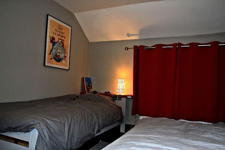 "Bedroom ""Tintin"" - 2 single beds"