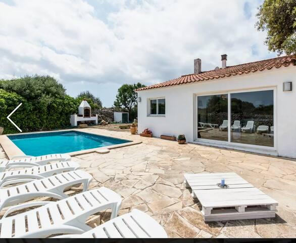 Villa rural con piscina privada y 3000 m de campo
