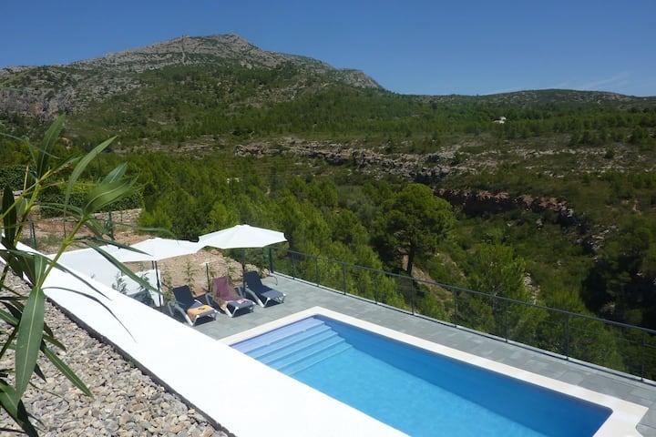 Villa moderne avec piscine en Catalogne