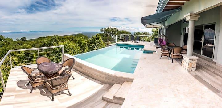 Amazing Ocean View. Private Pool & BBQ. Sleeps10.