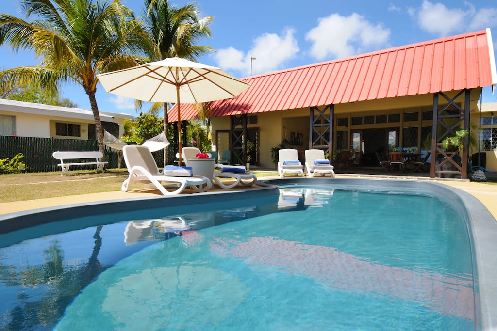 Great villa with swimming pool villas for rent in cap for Swimming pool mauritius