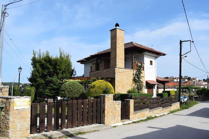 Villa Paliouri